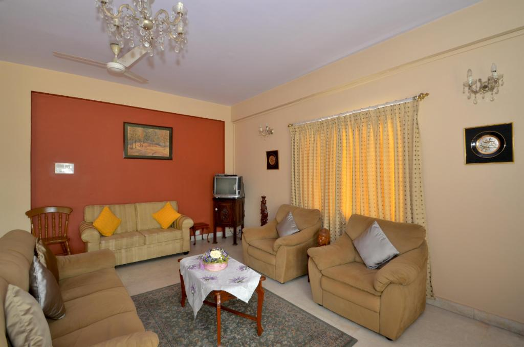 Dining area | Serviced Apartment in Langford Town