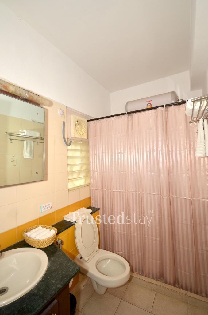 Book Service apartment in Bangalore | Restroom