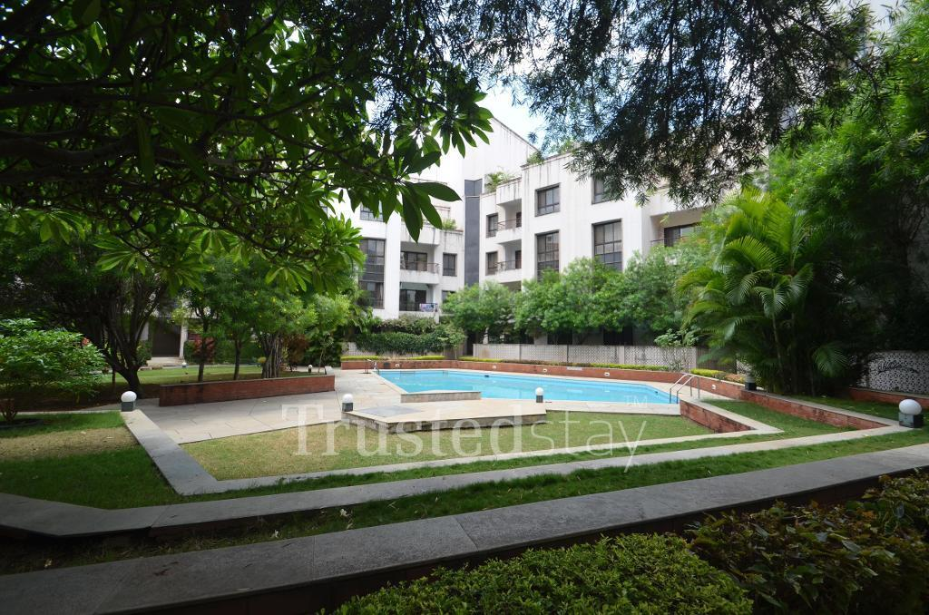 Swimming pool | Luxury service apartment in Pune