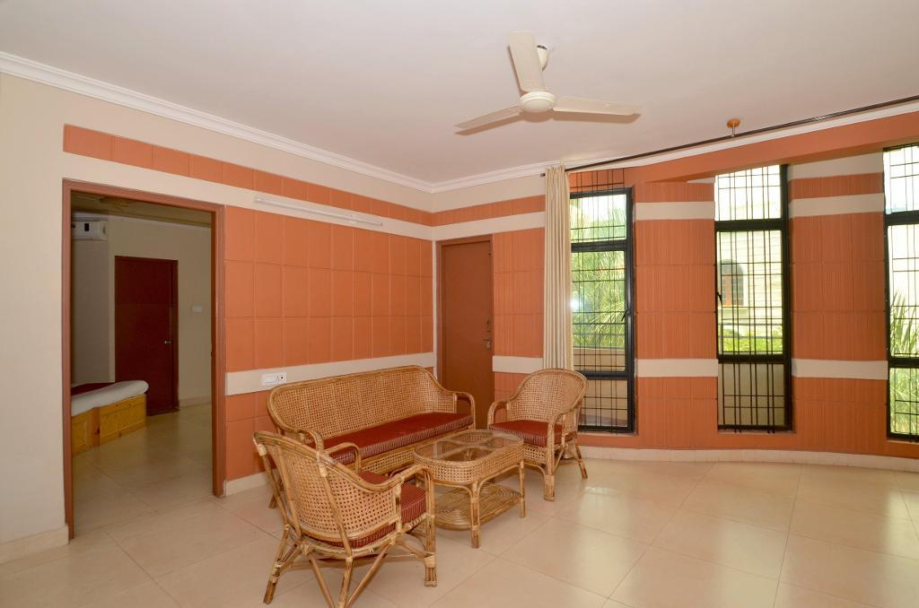 Book Alcove Service Apartments in Bangalore | Living Room