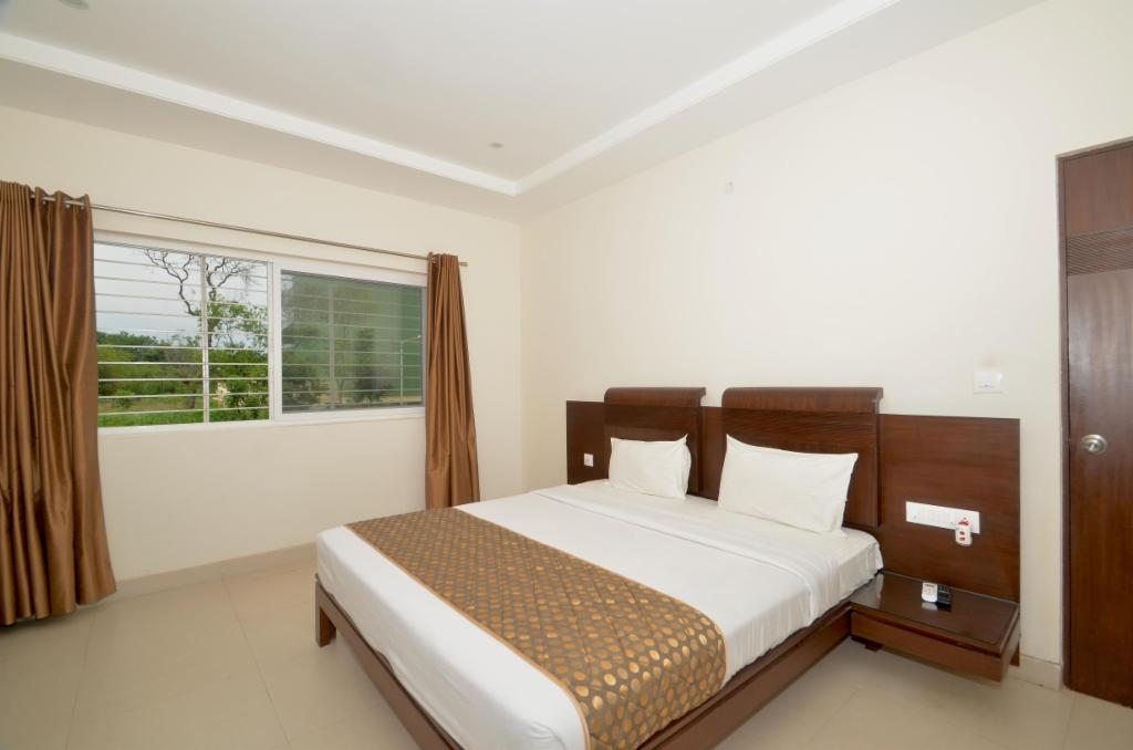 Alcove Service Apartments in Bangalore | Master Bed Room