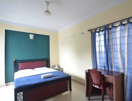 Ballygunge Triangular Park Bedroom